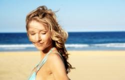 Волосы на солнце: защита