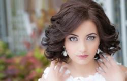 Трендовые свадебные прически для обладательниц коротких волос