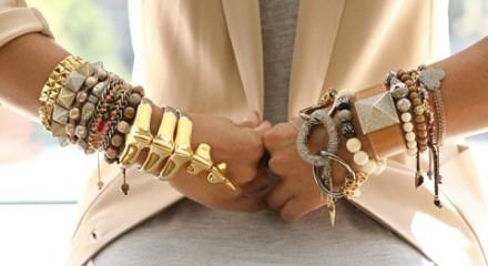 Искусство правильного ношения женских браслетов