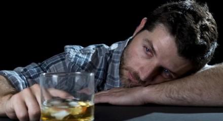 Как формируется алкогольная зависимость?