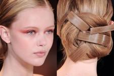 Сделать пучок из волос – это очень просто