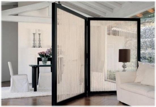 Использование ширмы для разных функций в современных интерьерах комнат