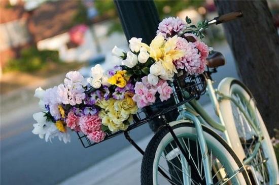 Преимущества обращения в службу доставки цветов