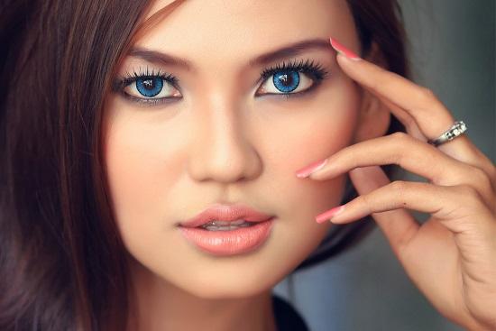 Особенности выбора дневного макияжа