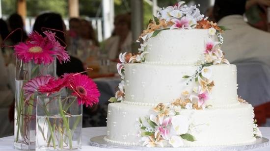 Свадебный торт – незаменимый атрибут свадебного банкета