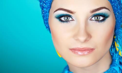 Несколько секретов и том, как правильно наносить макияж