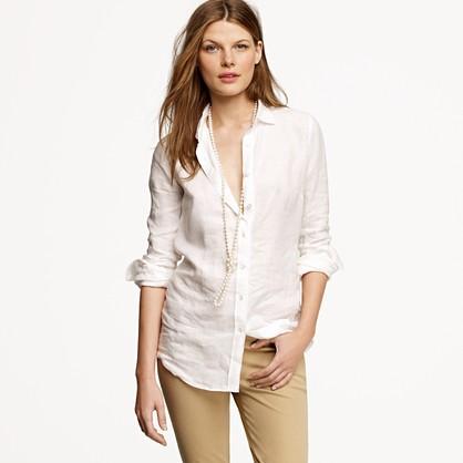 С чем лучше всего комбинировать женскую льняную рубашку