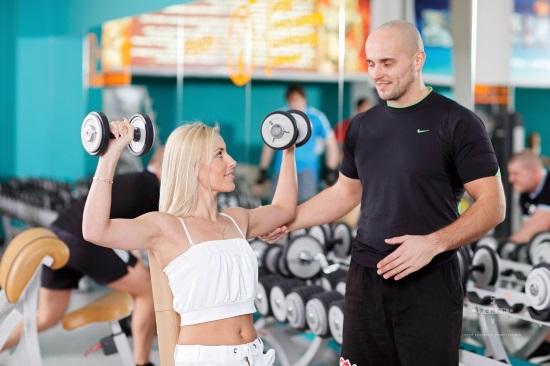 Фитнес клуб: особенное место для занятий спортом и приятного времяпровождения.