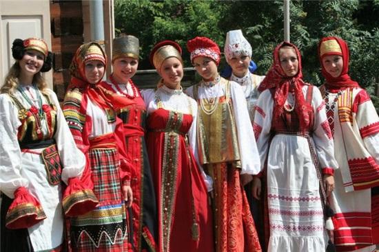 Вышиванка - национальная рубаха Украины