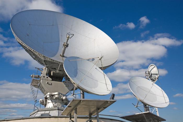Спутниковое цифровое телевидение: просмотр телеканалов без рекламы