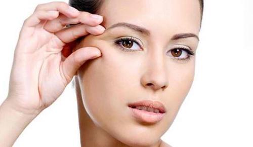 Выбор косметики для кожи вокруг глаз – советы ведущих косметологов
