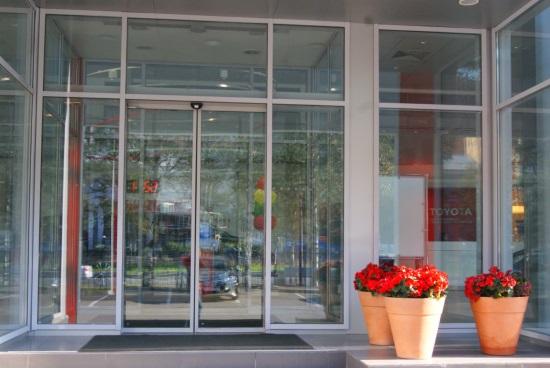 Алюминиевые дверные системы от ведущего питерского производителя АлМетСтрой