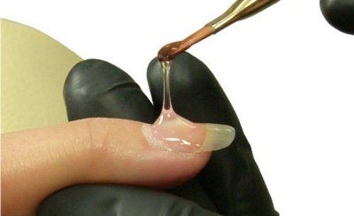 Наращивание ногтей с применением геля