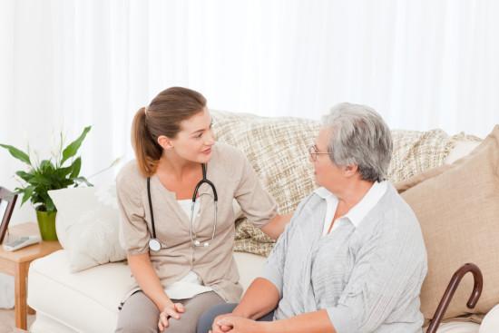 Преимущества услуги вызова врача на дом