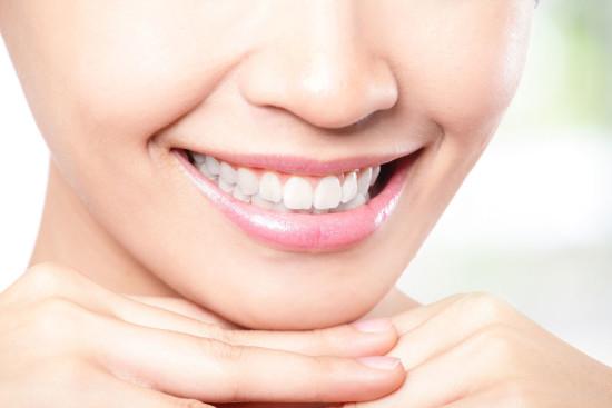 Что использовать сегодня для отбеливания зубов