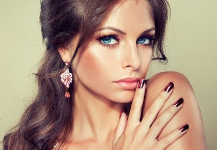 Учимся правильно наносить профессиональный макияж