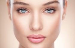 Обеспечьте оптимальный уход за сухой кожей лица в домашних условиях