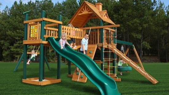 На что нужно обратить внимание во время покупки детской игровой площадки?