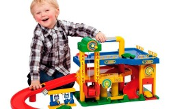 Какую игрушку подарить мальчику дошкольного возраста?