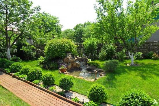 Сделать свой двор красивым и уникальным можно с помощью нашего ландшафтного дизайна